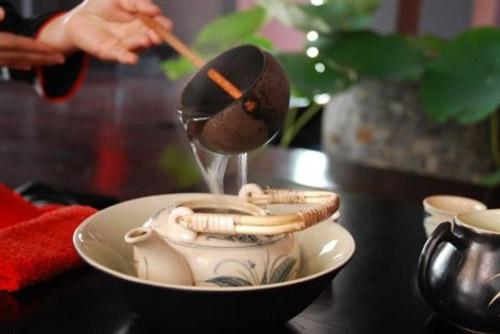 Giải nhiệt ngày hè nhờ trà bạc hà rất tốt cho sức khỏe