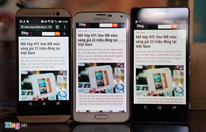 HTC One M8 cho tông màu lạnh, Galaxy S5 và Xperia Z2 có màu sắc ấm.