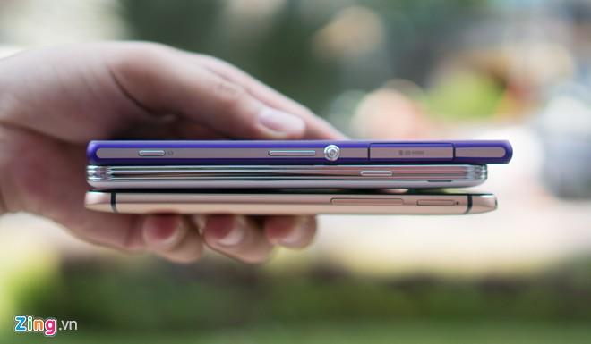 Chỉ có Galaxy S5 và Xperia Z2 được trang bị khả năng chống nước.