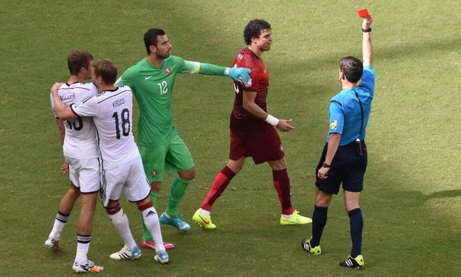 Pepe phải nhận thẻ đỏ đáng tiếc