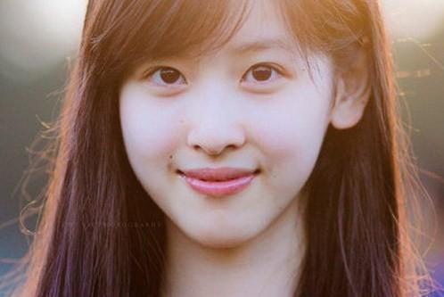 Ngay từ nhỏ hot girl trà sữa đã được học tập trong những điều kiện tốt nhất. Cô bắt đầu nổi tiếng khi theo học tại đại học ngoại ngữ Nam Kinh.