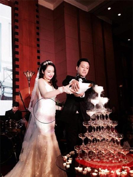 Thu Hương và Tuấn Hưng trong lễ cưới tổ chức tại khách sạn Melia Hà Nội.