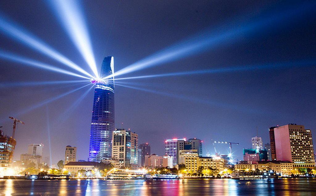 Tòa nhà Bitexco là địa điểm vui chơi giáng sinh tuyệt vời nên đi tại Sài Gòn