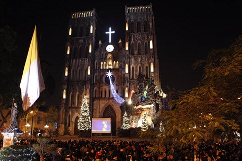 Giáng sinh ở Hà Nội không thể không ghé qua Nhà thờ lớn lung linh