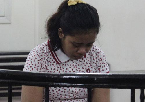 Cô trông trẻ Triwenning phải lĩnh án tù chung thân cho tội vận chuyển ma túy