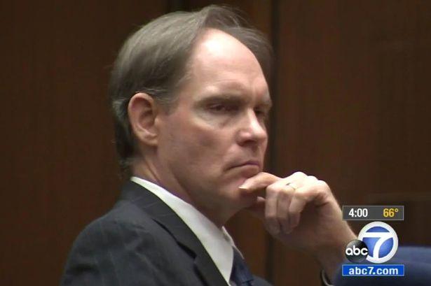 Cameron Brown giết con gái vì không muốn mất tiền nuôi dưỡng. Ảnh Mirror