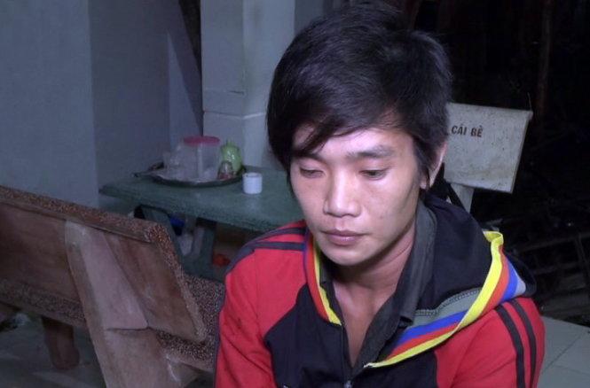 Đối tượng Phạm Thị Hận bị công an bắt giữ để điều tra về tội giết người