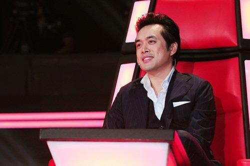 Màn đấu khẩu căng thẳng giữa HLV Dương Khắc Linh và Lưu Hương Giang mang lại điểm nhấn cho đêm liveshow 2 Giọng hát Việt nhí 2015