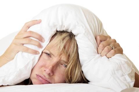 Trùm chăn kín đầu khi ngủ là cách giữ ấm cơ thể sai lầm của rất nhiều người