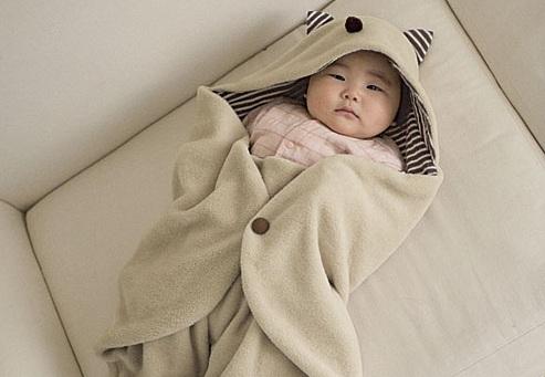 Giữ ấm cho trẻ khi ngủ trong mùa đông là điều cực kì quan trọng mà mọi ông bố, bà mẹ đều nên biết