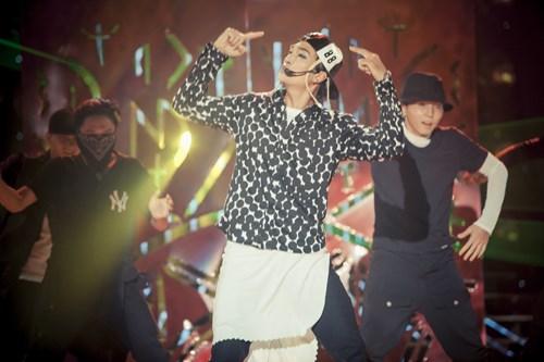 Phiên bản Tae Yang của Khương Ngọc được ban giám khảo của Gương mặt thân quen 2015 đánh giá cao