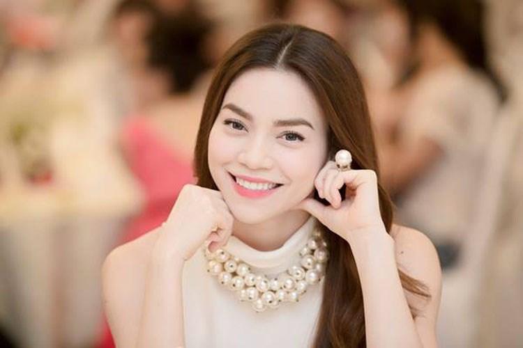 Hà Hồ sẽ cùng Tóc Tiên sang Mỹ dự sự kiện của America's Next Top Model