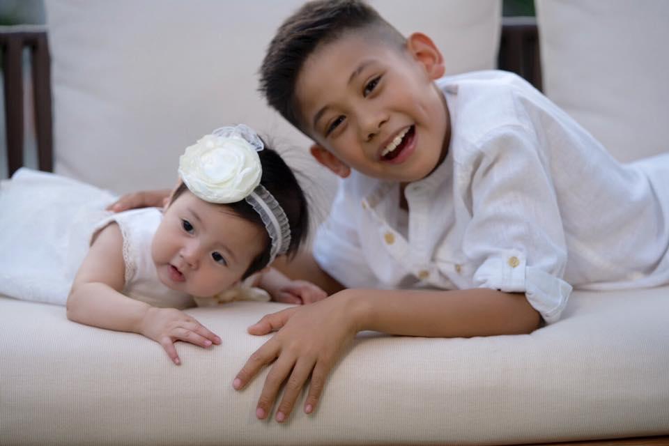 Ba nhóc tỳ còn lại là kết quả trong cuộc hôn nhân với Hoa hậu Việt Nam 1992.