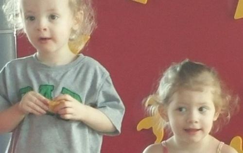 Oliver và Aria Orr tử vong trong ôtô. Ảnh: NYDailyNews