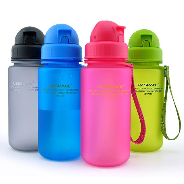 Cảnh báo: Chai nước tái sử dụng có chứa hàng nghìn vi khuẩn - ảnh 1