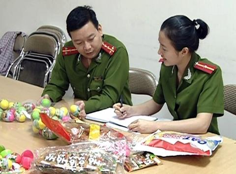 Cơ quan chức năng kiểm tra số hàng lậu có xuất xứ Trung Quốc
