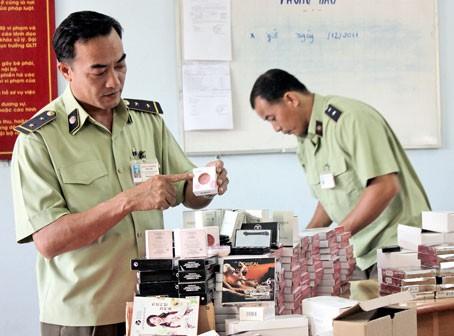Cơ quan chức năng thu giữ nhiều lô hàng mỹ phẩm kém chất lượng