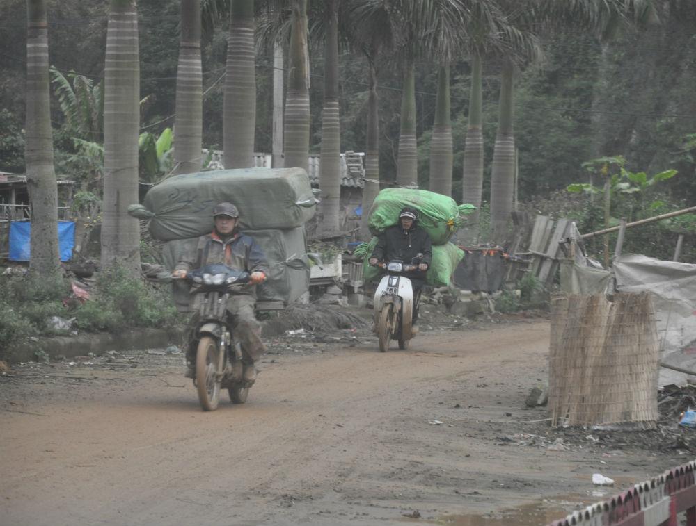 Nhiều đường đi mới của hàng lầu được khai mở ở cửa khẩu thuộc Lạng Sơn