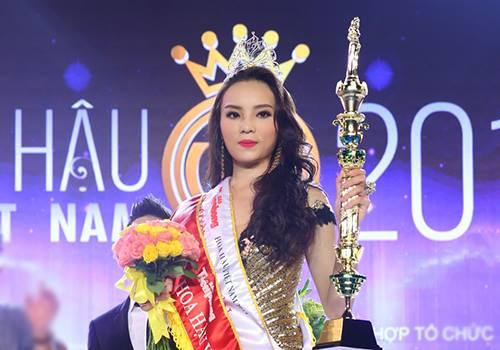 Hoa hậu Kỳ Duyên bị chê kém xinh trong đêm đăng quang