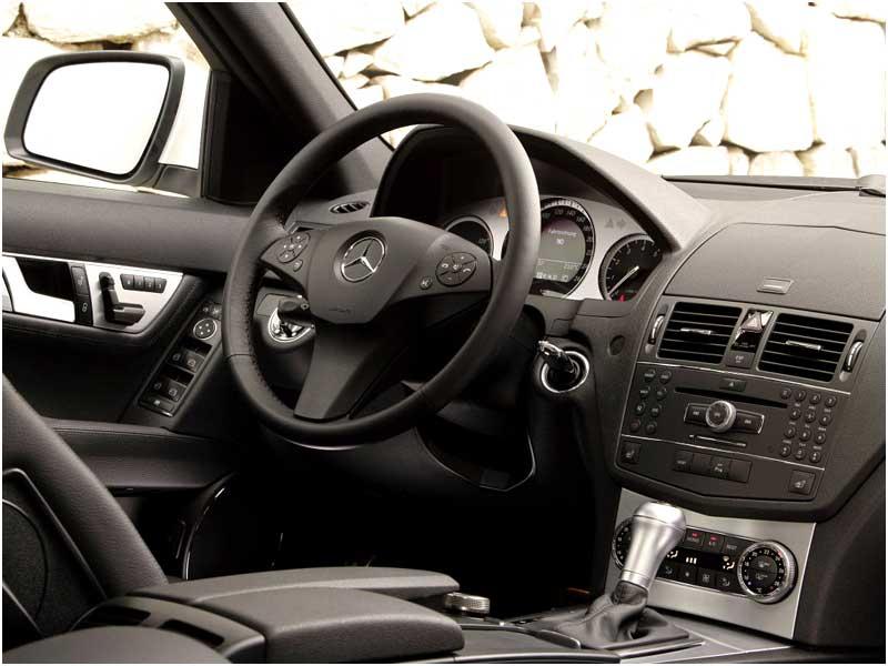Một cuộc kiểm tra không khí bên trong một số xe Benz cho thấy mức độ benzene và formaldehyde