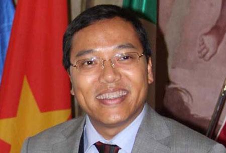 Đại sứ Việt Nam tại Ý Nguyễn Hoàng Long.