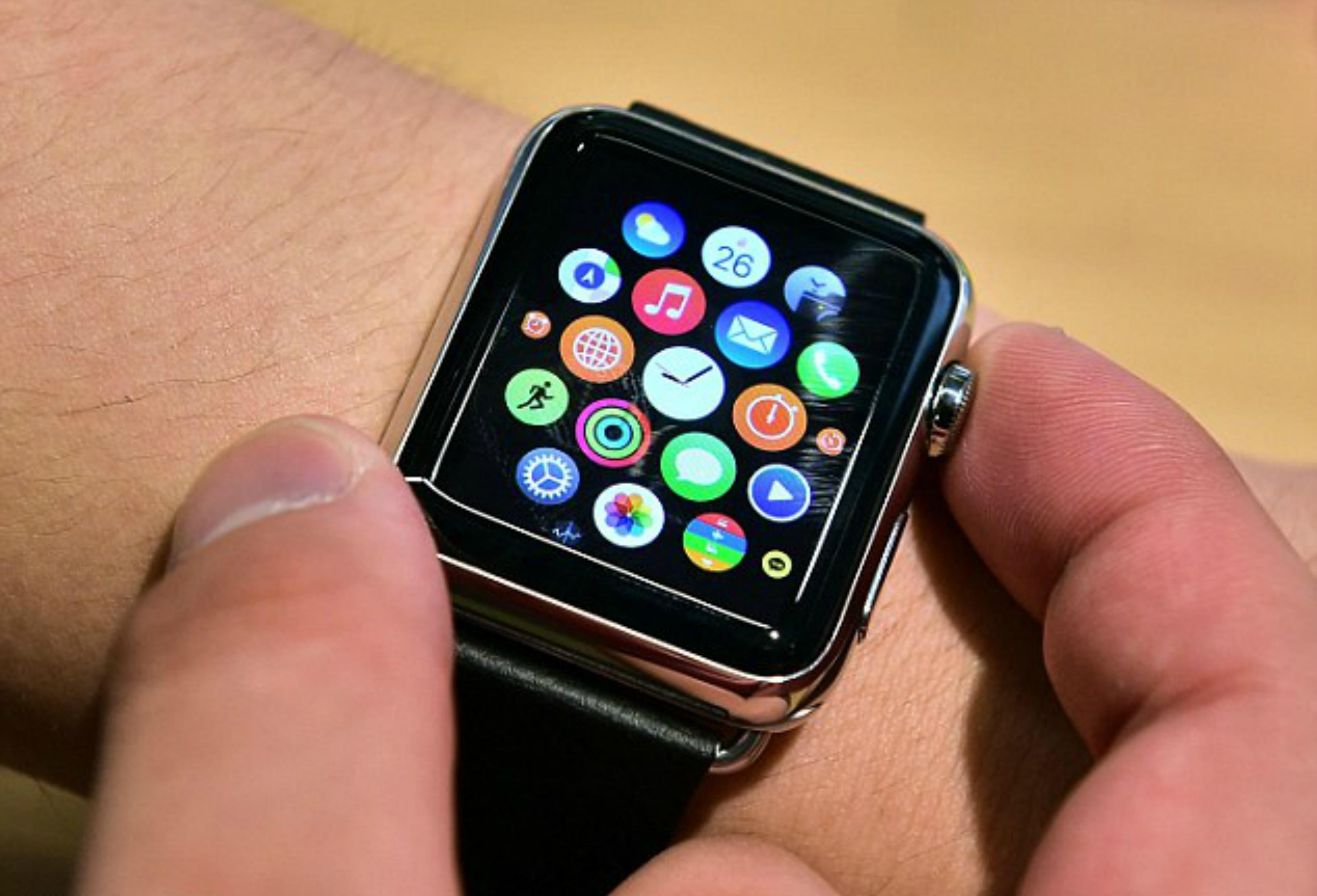 Apple Watch bị cấm trong các cuộc họp ở Anh và Úc