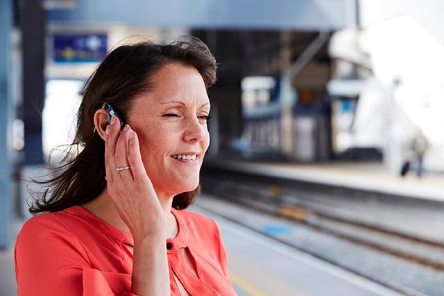 Hệ thống dẫn đường và bản đồ 3D âm thanh trên tai nghe Microsoft giúp người khiếm thị định hướng trong không gian