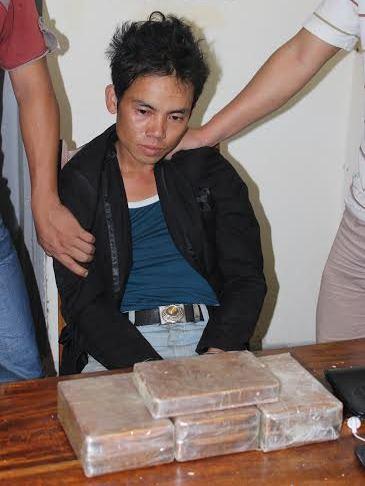 buôn bán, tàng trữ heroin