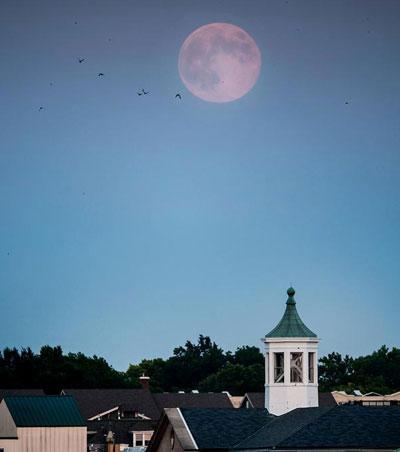 Mặt trăng xanh là 1 hiện tượng bí ẩn ít được biết đến