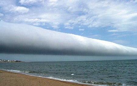 Hiện tượng bí ẩn kỳ thú Mây hình ống khổng lồ
