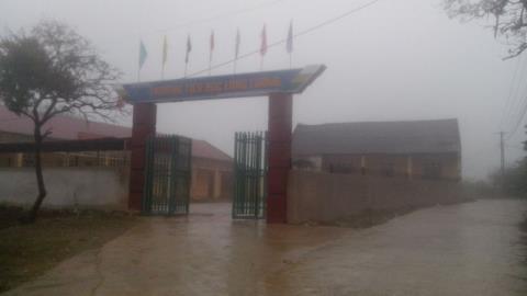 Trường tiểu học Lóng Luông nơi xảy ra sự việc