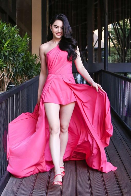 """Nhan sắc quyến rũ của """"ma nữ"""" xứ Thái sinh năm 1992"""