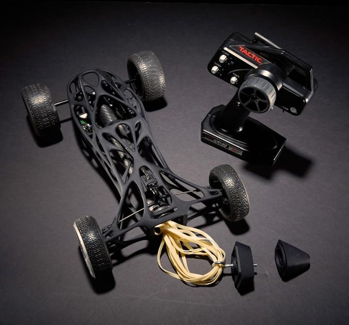 Tin khoa học về chiếc xe đua sử dụng băng tần cao su ấn tượng nhất
