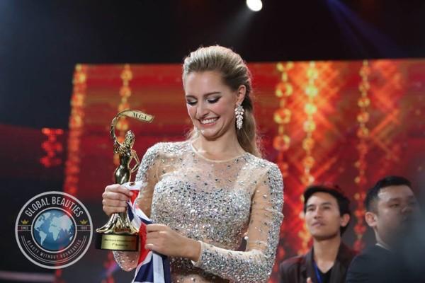 Hoa hậu Hòa bình quốc tế 2015 chính thức bị truất ngôi