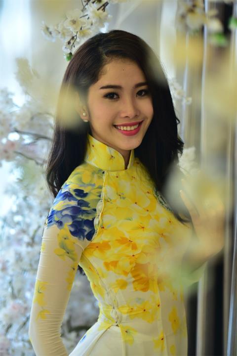 Clip trả lời phỏng vấn ban tổ chức Hoa hậu Hoàn vũ 2015 của Nam Em gây xôn xao dư luận