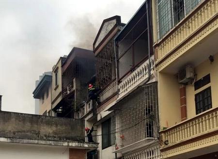 Hiện trường vụ hỏa hoạn cháy nhà do ấm điện đun nước