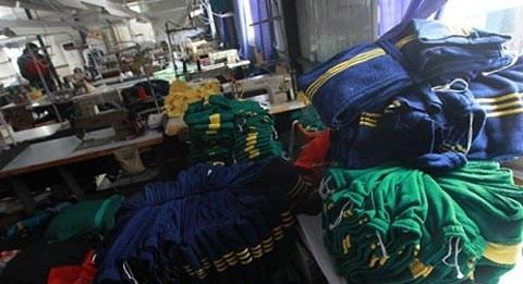 Trung bình 1 kg quần áo thì cần dùng đến 3kg hóa chất, hầu hết độc hại với sức khỏe và môi trường