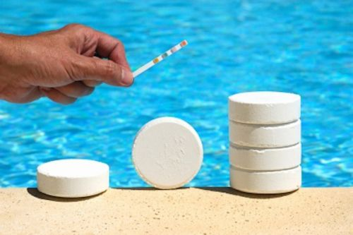 Hóa chất bể bơi có thể gây nhiều nguy hại