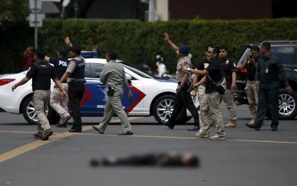 Một cảnh sát thiệt mạng sau vụ đấu súng