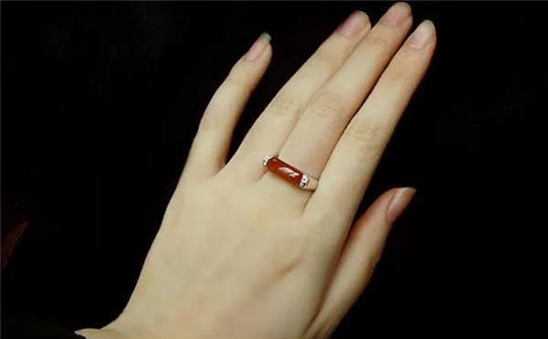 Bàn tay có đặc điểm này không phú cũng quý, cả đời may mắn