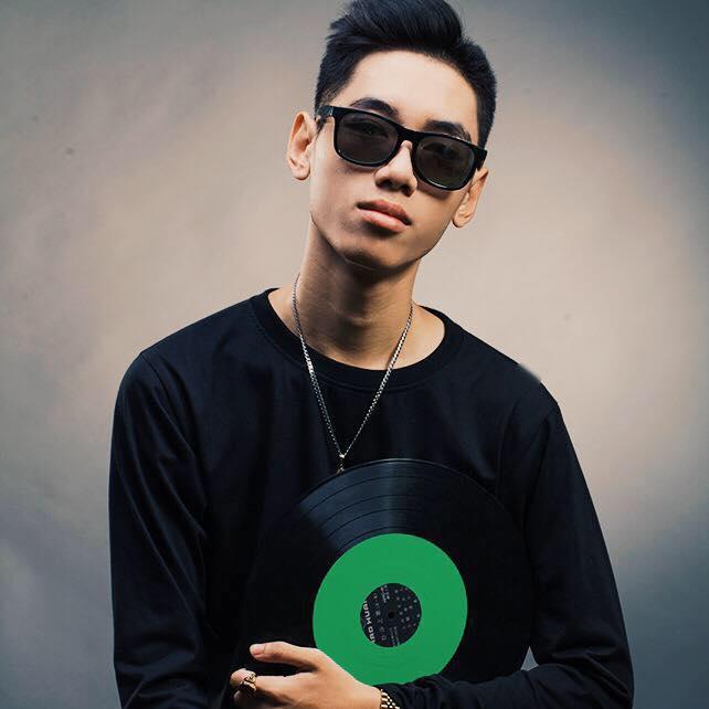Khởi nghiệp âm nhạc: Nguyễn Bảo Khánh lại 'gây bão' khi chơi nhạc Rock trên đàn organ