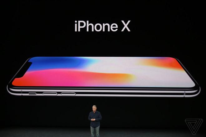 Ít nhất đến tháng 1 năm sau, iPhone X mới có thể lên kệ tại các cửa hàng Apple?