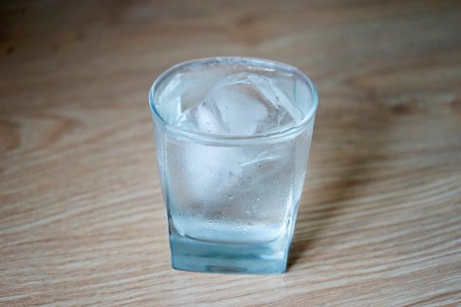 4 loại nước nếu uống buổi sáng sẽ khiến già nhanh, hại sức khỏe ai cũng nên biết