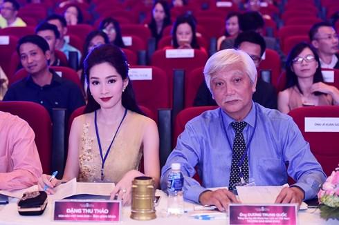 Nhà sử học Dương Trung Quốc: Chúng ta đã quá quan trọng những cuộc thi Hoa hậu