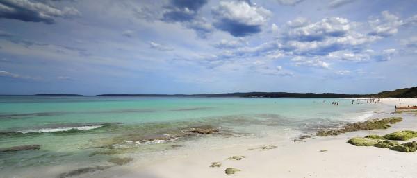 Top 10 bãi biển đẹp nhất hành tinh mê mẩn lòng người