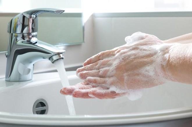 Bạn sẽ không bao giờ muốn sử dụng máy sấy khô tay trong nhà vệ sinh công cộng nếu biết điều này