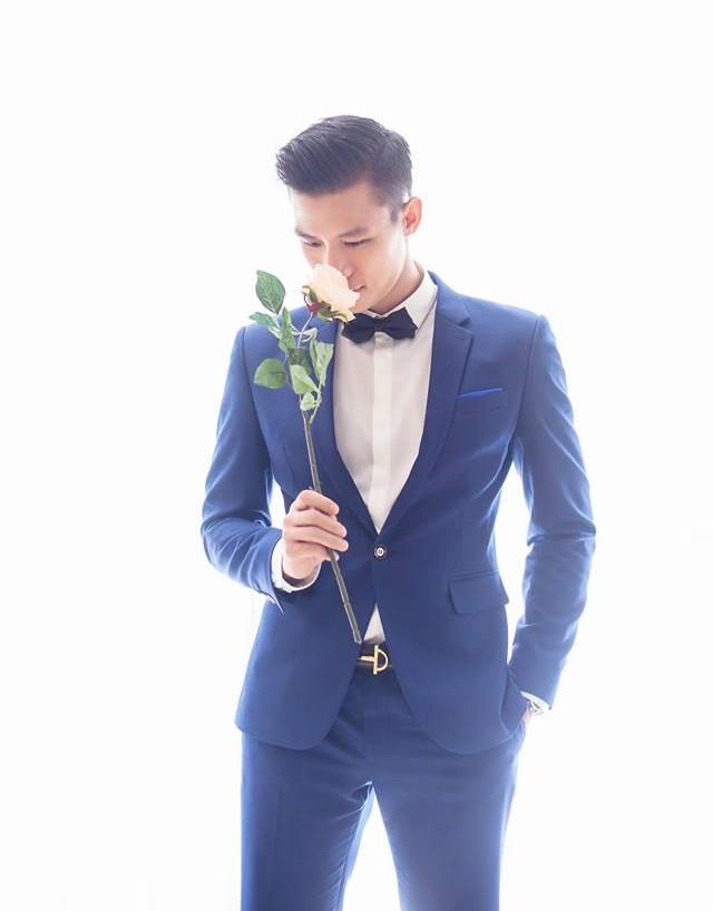 Hé lộ ảnh cưới tuyệt đẹp của Trung vệ Quế Ngọc Hải cùng Hoa khôi Trường ĐH Vinh