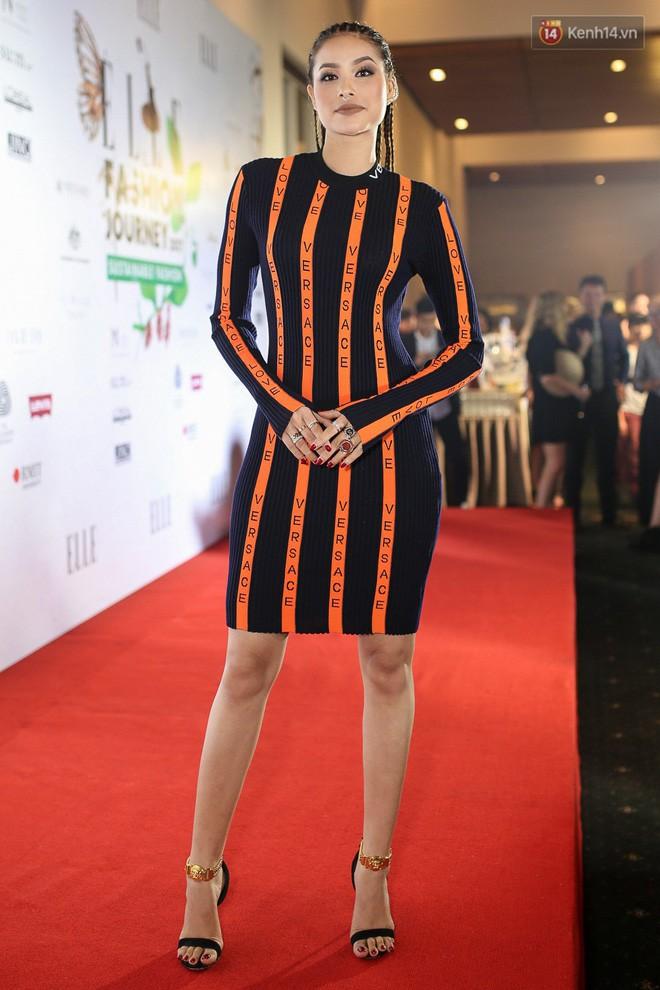 'Đụng độ' váy 20 triệu, Phạm Hương vẫn lấn át 'không thương tiếc' loạt người đẹp vì quá cá tính