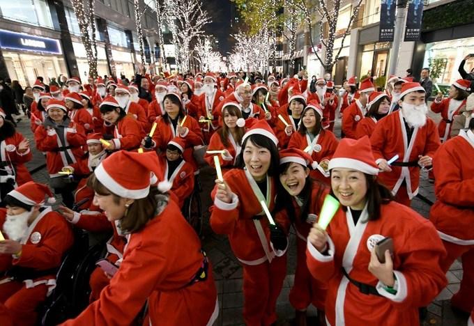 Các nước trên thế giới đón Giáng sinh như thế nào?