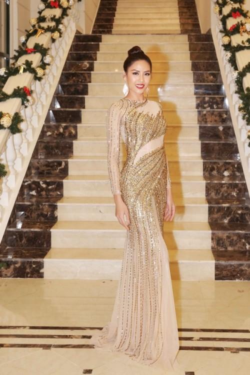 Dàn thí sinh Miss Universe Vietnam xuất hiện nóng bỏng tại đêm dạ tiệc HHHV